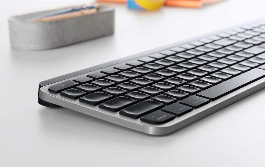 mx-keys-for-mac-lifestyle-gallery-image-2