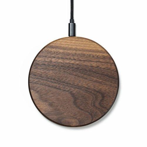 Drewniana ładowarka indukcyjna